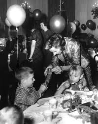 ar6958 a ethel kennedy at white house christmas party for