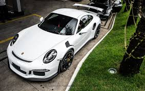white porsche 911 white porsche 911 gt3 rs three quarter front view sssupersports