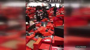 shoe station black friday oh no shoppers demolish nike store in black friday craze abc13 com