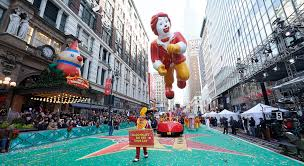 the inflating the macy s thanksgiving day parade