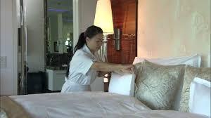 hotel femme de chambre femme de chambre stock femme de chambre stock footage