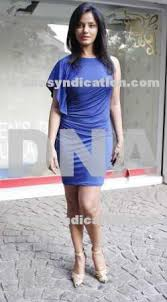viagra commercial actress in blue dress http dnasyndication com pictures large 070311 07c11pj7221 jpg