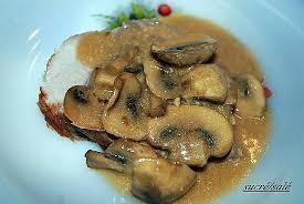 cuisine roti de porc en cocotte recette de rôti de porc en cocotte aux chignons
