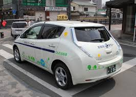 nissan leaf s g file nissan leaf suizenji taxi rear cropped jpg wikimedia commons