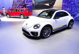 volkswagen new beetle engine vw beetle powers in to new york with r line denim and more