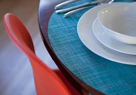 Placemats For Round Table What Every Stylish Round Table Needs Bright Oval Place Mats From