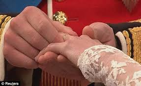 kate s wedding ring royal wedding why prince william struggled to fit the ring on