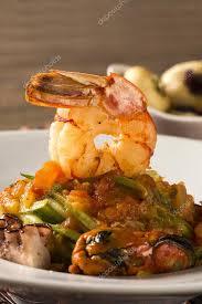 cuisine typique plat de linguine aux fruits de mer cuisine typique sicilienne