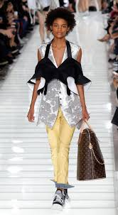 the best looks from louis vuitton during paris fashion week in