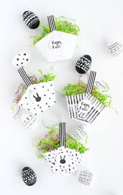 easter baskets to make and loisdiy paper easter baskets with free printable