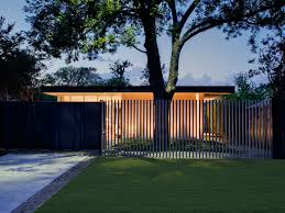 Modern Fence Cool Vertical Element Creating A Barrier Like The Windows