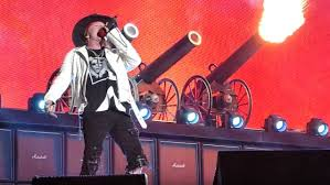 fans that work like ac axl rose manager slams ac dc fans who don t like band s current