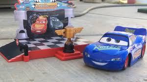 new disney cars 3 toys podium lightning mcqueen rc saves cruz