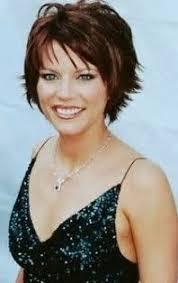 trisha yearwood short shaggy hairstyle martina mcbride hot hot martina mcbride marry me acm awards 2012