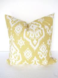 Home Decor Throw Pillows Best 25 Yellow Throw Pillows Ideas On Pinterest Yellow Room