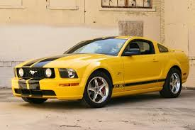 2005 Ford Mustang Gt Black Photos Or Photo Chop Of Screaming Yellow Gt With White Or Black