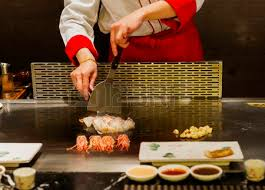 cuisiner au teppanyaki teppanyaki japanese cuisine sauteed seafood delicious stock photo