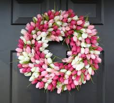 Tulip Wreath 19 Fresh Looking Handmade Spring Wreath Designs