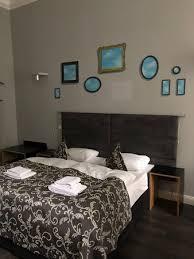la chambre d oute magritte hommage a magritte hotel berlin allemagne voir les tarifs et 24