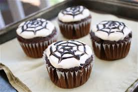 Spider Cakes For Halloween Pattie S Place Halloween Cupcakes And Skeleton Brownies Best 25