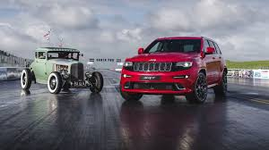 jeep srt watch a jeep grand cherokee srt drag race a hemi powered rod