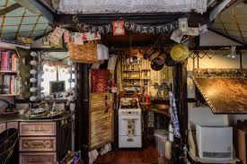 Homes Decorated For Christmas On The Inside Peek Inside This Tiny House Decorated For Christmas