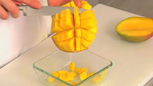 cuisiner la mangue comment préparer une mangue desserts cuisine vins