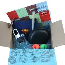 gifts for men guy gift basket box set cool tech accessories for