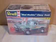 monogram monster mash 4x4 monster truck model kit 2420 1 24