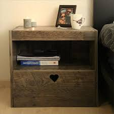 Plans For A Wooden Bedside Table by Diy Reclaimed Wooden Pallet Bedside Tables Pallets Designs