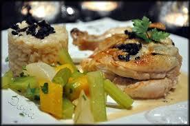 cuisiner un poulet de bresse suprême de poulet de bresse truffé risotto et petits légumes la