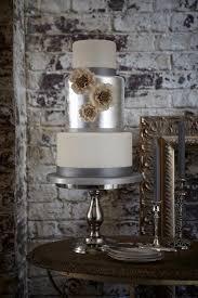 12 gorgeous metallic wedding cakes belle the magazine