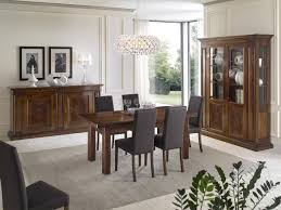arredare la sala da pranzo gallery of sala da pranzo completa di tavolo vetrinetta e credenza