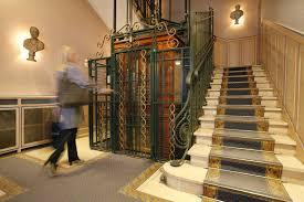 hotel a nimes avec dans la chambre votre séjour sous la plume d hemingway à l hôtel imperator à nîmes