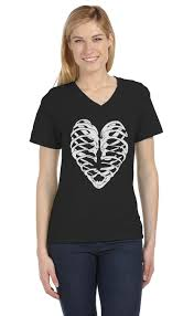 Halloween Shirts Women Heart Skeleton Rib Cage Cool Halloween Easy Costume V Neck Women