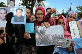 bureau immigration tunisie sit in des familles de disparus de l immigration clandestine devant