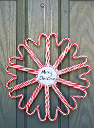 christmas wreaths to make 75 awesome christmas wreaths ideas for all types of décor digsdigs
