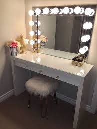 Lighted Makeup Vanity Mirror Lighted Makeup Vanity Table Home Furnishings