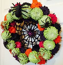 halloween wreaths are a thing now and they u0027re creepily awesome