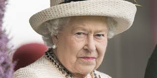 what signals does the queen give to avoid awkward conversations