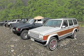 muddy jeep cherokee jeep club ph goes off roading motioncars motioncars