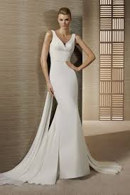 wedding dresses for small bust dressing for type