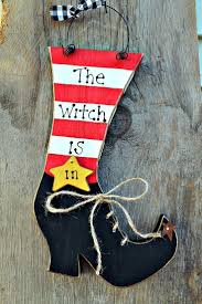 Halloween Witch Craft Ideas by 220 Best Yard Signs Images On Pinterest Christmas Yard Art
