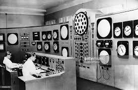 bureau de controle station atomique électrique pictures getty images