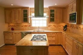 maple cabinet kitchen ideas kitchen backsplash ideas with maple cabinets maple