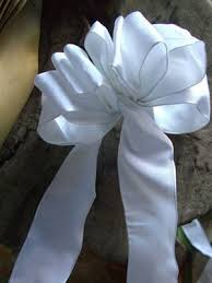 tie ribbon diy how to make a bow how to tie a bow how to tie a ribbon bow