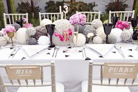 Halloween Themed Wedding Decorations by Here U0027s The Cutest Cuddliest Kitty Themed U0027wedding U0027 That You U0027ll