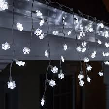 led icicle lights cool white 70 cool white snowflake led icicle light set with white wire