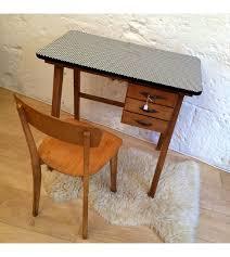 bureau vintage enfant bureau vintage enfant et sa chaise la nouvelle raffinerie