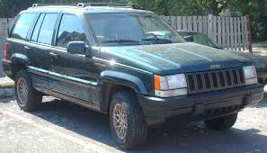 green jeep grand cherokee file 93 95 jeep grand cherokee limited jpg wikimedia commons